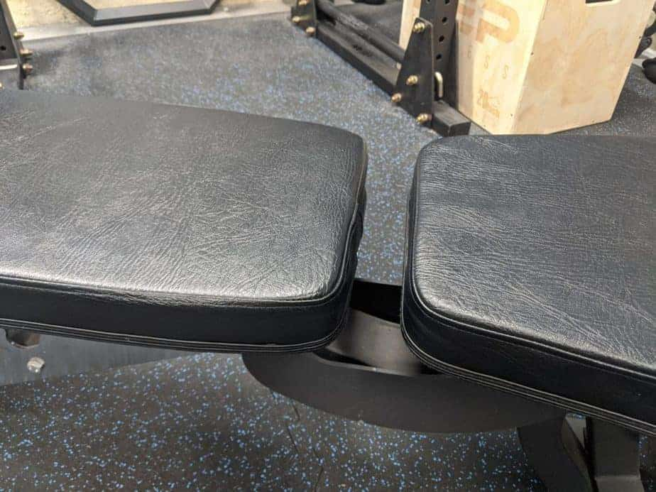 Gap in weight bench